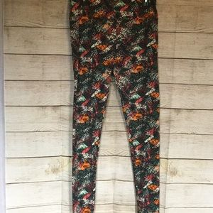 LULAROE TALL & CURVY FLORAL LEGGINGS